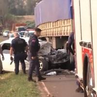 """Antes de jogar carro contra caminhão, pai manda filho gravar vídeo: """"Adeus, mãe"""""""