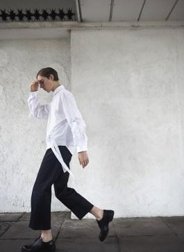 5002929_FashionBlogger_MikkoPuttonen_wearing_JWAnderson_aw16_beltedshirt_wrongweather_joseph_wideleg_trousers_JilSander_derbies_outfit_london_minimal1_web