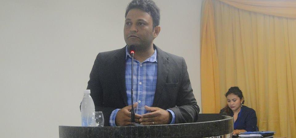 Júnior Santos propõe força tarefa para ajudar alunos a receber diplomas em Coelho Neto