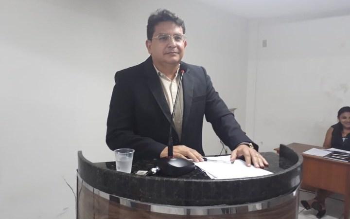 """Dr Ricardo denuncia não adesão de Coelho Neto ao Programa Cartão Gestante: """"Um absurdo"""""""