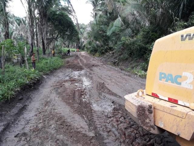 A determinação do prefeito Arquimedes Bacelar é garantir que a equipe da Secretaria de Obras esteja a postos para resolver toda e qualquer demanda advinda da população ocasionada pelas fortes chuvas.