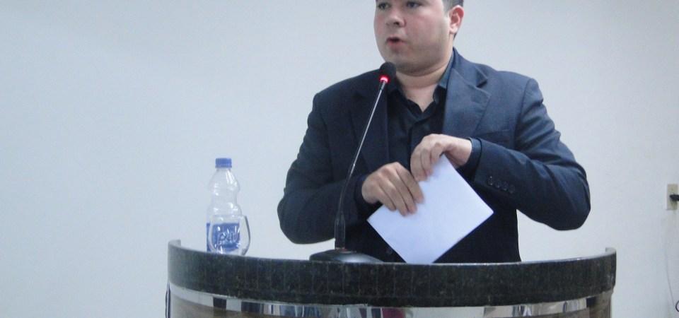 Rafael Cruz denuncia abuso de autoridade do secretário de Meio Ambiente e recebe apoio dos vereadores