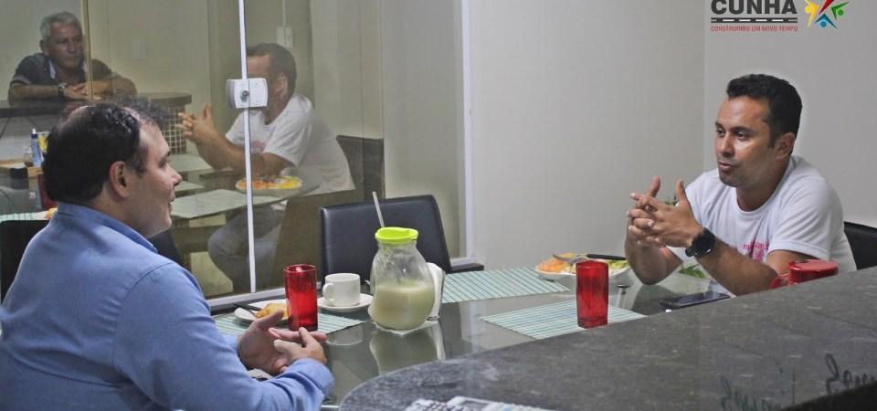 Prefeito de Afonso Cunha discute parceria com a inciativa privada