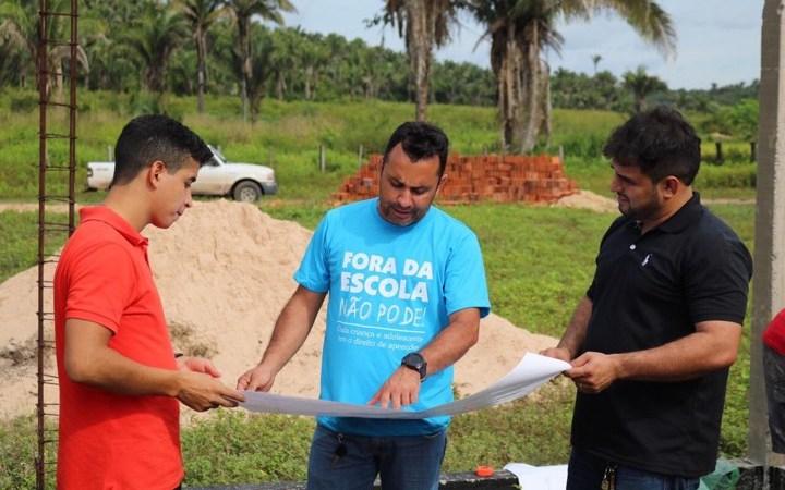 O trabalho não para! Arquimedes inicia construção de escola na zona rural de Afonso Cunha