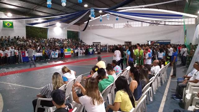Solenidade concorrida marcou abertura dos Jogos Escolares de Duque Bacelar