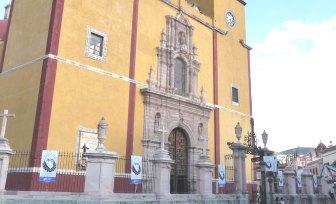 Paz y tranquilidad debe pedir la sociedad: el abad de la Basílica Colegiata