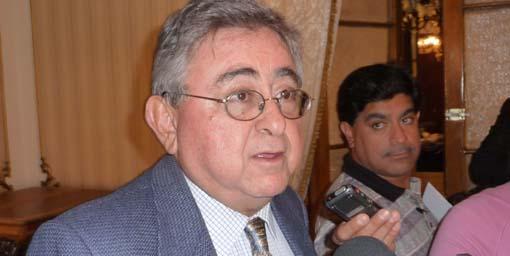 Edgar Castro critica a Nicéforo Guerrero y éste evita hablar sobre su sustituto