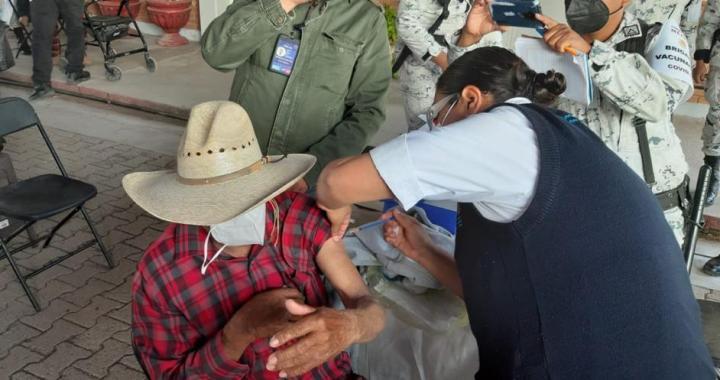 Se vacunarán a casi 60 mil personas de más de 60 años, con 2da dosis en 4 municipios