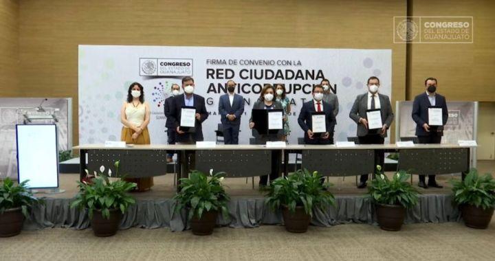 Firma Congreso convenio de colaboración con la Red Ciudadana Anticorrupción