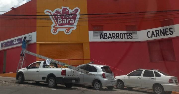Roban tienda de auto servicio en Las Teresas