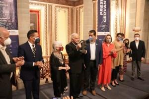 El reconocido dramaturgo y poeta Miguel Sabido fue galardonado con la Presea Cervantina