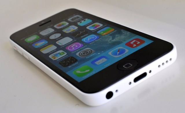 iphone-5c-blanco-12gb-cargador-original-536201-MLA20299815756_052015-F