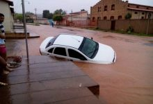 Chuva de mais de 10h enche Riacho Mocha e arrasta carro em Oeiras; fotos 17