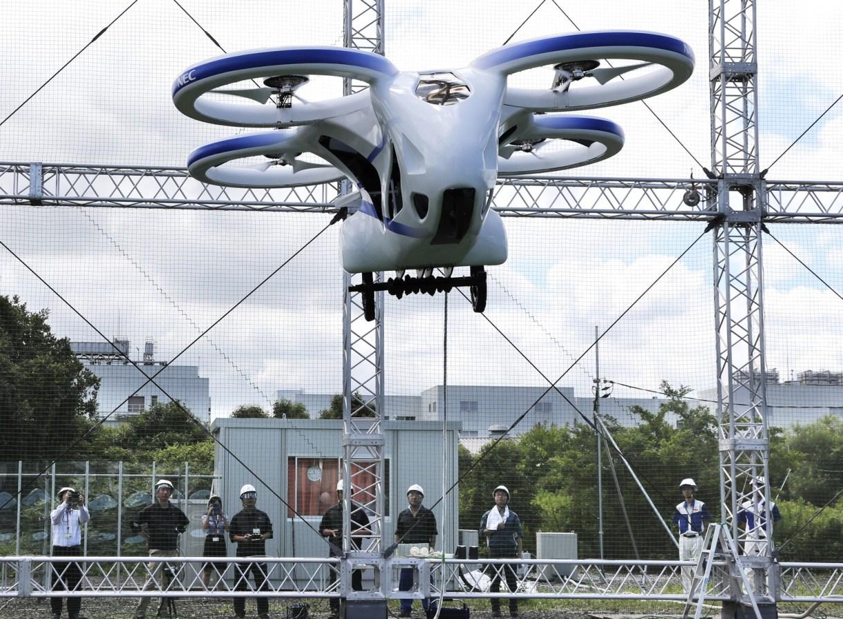Carro voador do Japão faz voo de 1 minuto e deve ser lançado até 2030 2