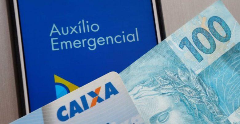 Auxílio pode ser pago em 3 vezes: R$ 500, R$ 400 e R$ 300 1