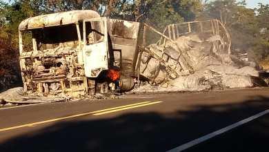 Caminhão pega fogo na BR 230 na zona rural de Oeiras 2