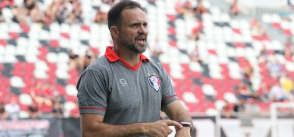 Wagner Lopes deixa o comando do Joinville
