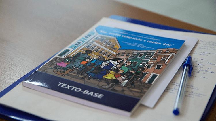 Seminário proporciona estudo ao texto-base para 2020