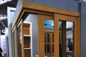 janela-de-correr-90-graus-esquadrias-de-madeira -RS