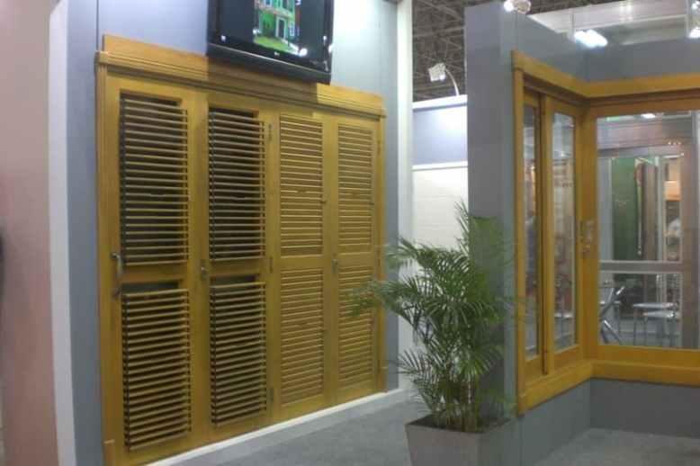 Porta Pantográfica Veneziana Móvel madeira portalmad