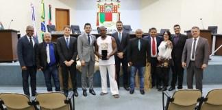 Câmara de Anchieta realiza 2ª Sessão Solene dedicada à Consciência Negra e entrega Comenda Mestre Camilo