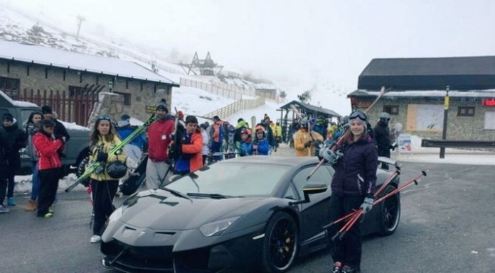 O craque português, CR7 ou seja Cristiano Ronaldo teve de estacionar o seu luxuoso Lamborghini Aventador em plena estrada e pedir ajuda quando, no passado.