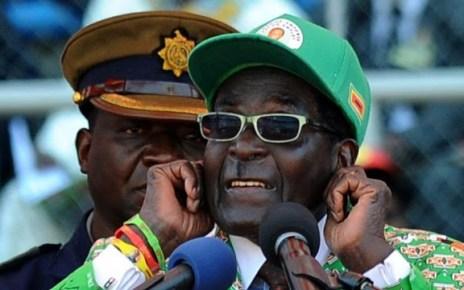 """O ditador do Zimbabué, Robert Mugabe, deu uma entrevista à televisão estatal daquele país onde elogiou o """"nacionalismo"""" de Donald Trump."""