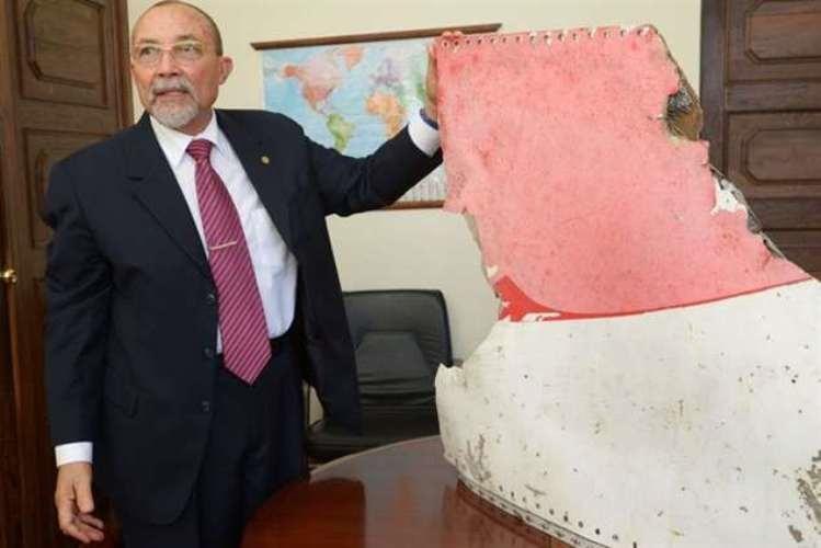 O Presidente do Conselho de Administração do Instituto Nacional de Aviação Civil, João de Abreu confirmou a queda de uma avioneta à serviço da Cornelder na manhã de hoje