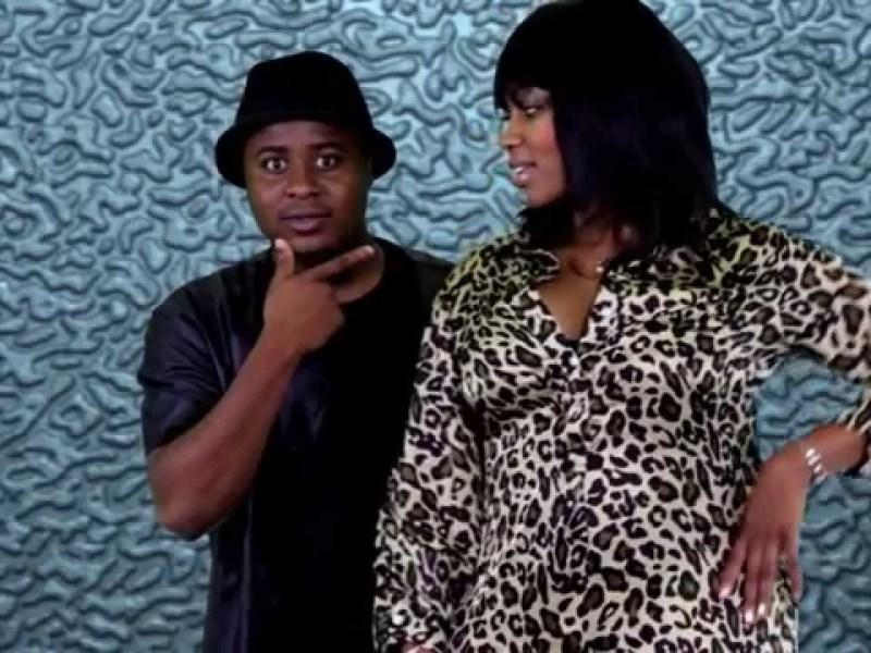 Depois de criticar a Boneca Barbie de Moz nas redes sociais, o cantor moçambicano Kamane volta a atacar a modelo chamando-a de mentirosa.