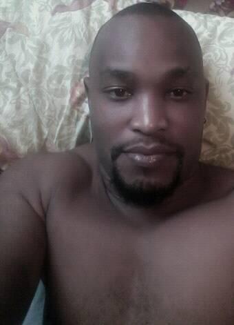 O jovem rapper moçambicano, Flash Enccy usou a sua conta do Facebook para fazer um apelo aos seus compatriotas. o musico está preocupado com o comportamento desta camada