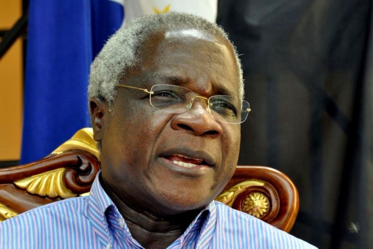 Afonso Dhlakama, diz que poderá prorrogar a trégua desde que Nyusi