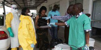 O Governo considerou baixo o risco de o vírus Ébola chegar a Moçambique, garantindo que foi reforçada a vigilância nas fronteiras, principalmente