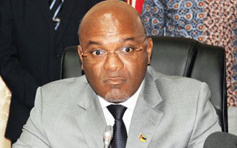 O ministro dos Transportes e Comunicações, Carlos Mesquita, reconhece que foi uma falha o facto de não se ter aberto um processo disciplinar no caso de desvio de fundos na empresa Aeroportos de Moçambique (ADM).