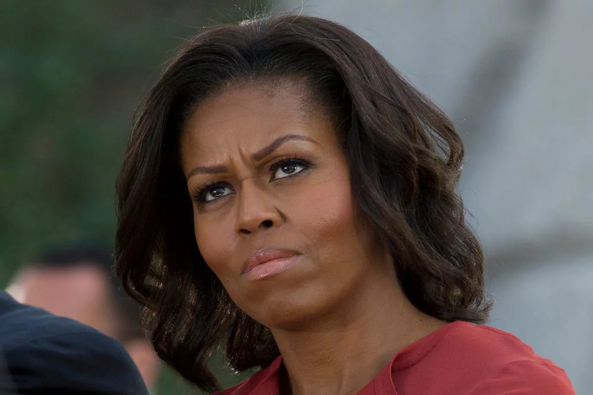 """Qual é o teu problema?"" questionou Michelle Obama a Donald Trump"