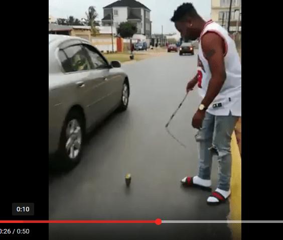 O cantor moçambicano Ziqo da Silva Maboazuda Casa Dois recebeu críticas nas redes sociais depois de postar um vídeo onde ele recorda a sua infância jogando pião