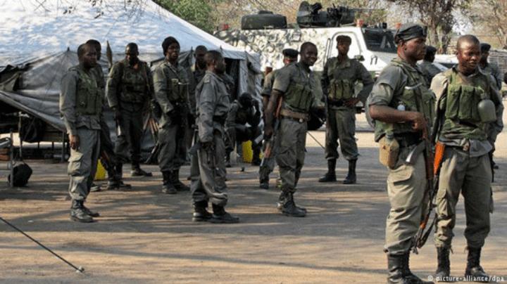 A Renamo desmentiu hoje informações avançadas pelo governo sobre a retirada das Forças de Defesa e Segurança (FDS) em oito posições no distrito de Gorongosa