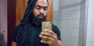 Um homem brasileiro, de ascendência africana, foi barrado à porta de um bar em Curitiba, no Brasil, por ser demasiado parecido com os seguranças.