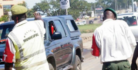 INATTER esclarece que Polícia Municipal pode fiscalizar cartas de condução e seguros em viaturas, a ACIS diz o contrario em relação a esse ponto de vista