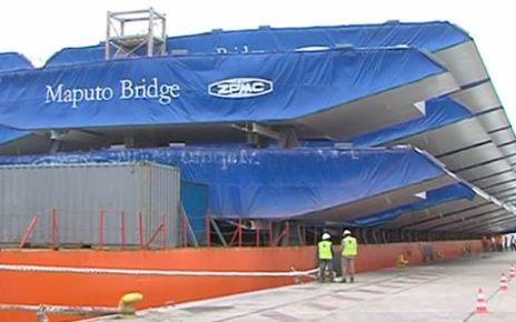 A ponte Maputo-Katembe está orçada em 725 milhões de dólares e terá uma extensão de cerca de três quilómetros, com quatro faixas para a circulação de viaturas, e uma estrada até à Ponta D'Ouro.