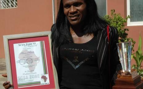 Em Agosto de 2015, a Universidade Eduardo Mondlane (UEM) atribuiu a Maria de Lurdes Mutola o título de Doutor Honoris Causa, na especialidade de Ciência de Desporto, pelos seus nobres feitos