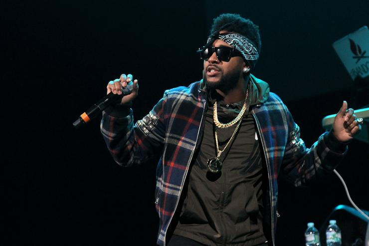 Os namibianos boicotaram o show depois que Omarion não se apresentou para uma conferência de imprensa que deveria ter se realizado no início da sexta-feira