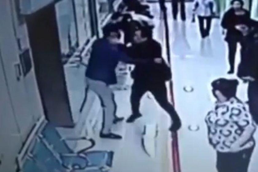 Na China, dois proprietários de Agência Funerária brigaram e foram parar na polícia, na cidade de Dalian. O motivo da briga foi porque ambos queriam ter o direito de fazer a cremação