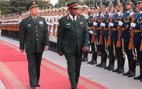 O general por trás do já considerado golpe militar no Zimbabwe, Constantino Chiwenga, pode ter procurado a aprovação chinesa dias antes do Golpe de Estado