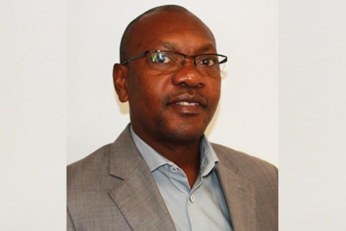 O jornalista desportivo moçambicano, Sérgio Marcos, da TVM, foi recentemente nomeado como membro da Comissão de Imprensa da Confederação Africana de Futebol (CAF)