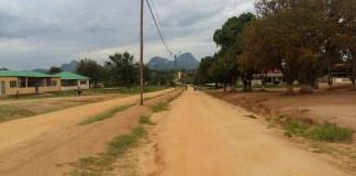 A Vila distrital de Derre na Zambézia já está ligada à rede eléctrica da Hidroeléctrica de Cahora Bassa desde quinta-feira última