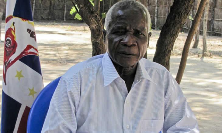 O presidente da Renamo, Afonso Dhlakama, discordou, hoje, na serra da Gorongosa, das afirmações do Presidente da República, segundo as quais o Estado da Nação é desafiante e encorajador