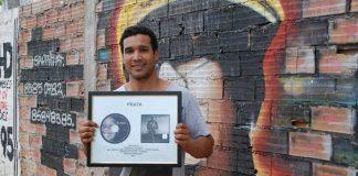 Mahel queixou-se esta quinta-feira de um esgotamento nervoso causado pela venda de discos em locais inapropriados para a sua saúde