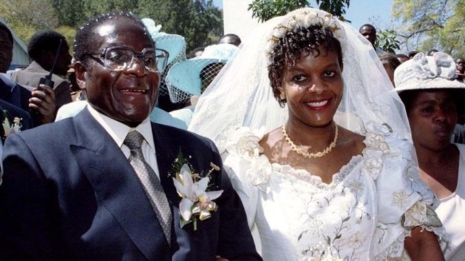 O mundo ficou em estado de choque depois que fontes próximas da família de Mugabe confirmaram que Grace havia pedido um divórcio na quarta-feira