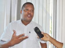 SALOMÃO Muchanga, presidente do Parlamento Juvenil (PJ), anunciou ontem a sua retirada da liderança desta organização, alegadamente porque é hora de dar espaço a outros quadros da organização