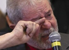O Tribunal Regional Federal da 4ª Região (TRF-4) condenou ontem, por unanimidade o ex-presidente Luiz Inácio Lula da Silva por corrupção e lavagem de dinheiro.